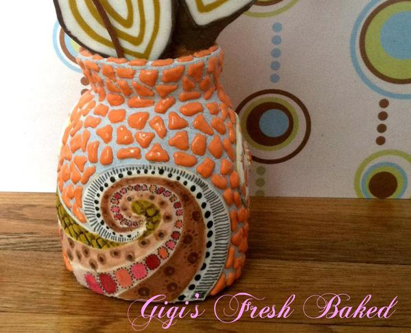 Cookie vase close up-front view