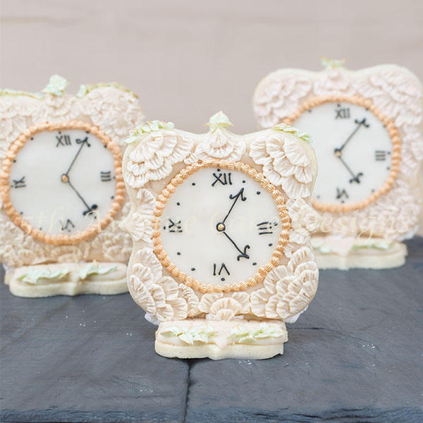 Antique Clock - Bobbiebakes - 3-d