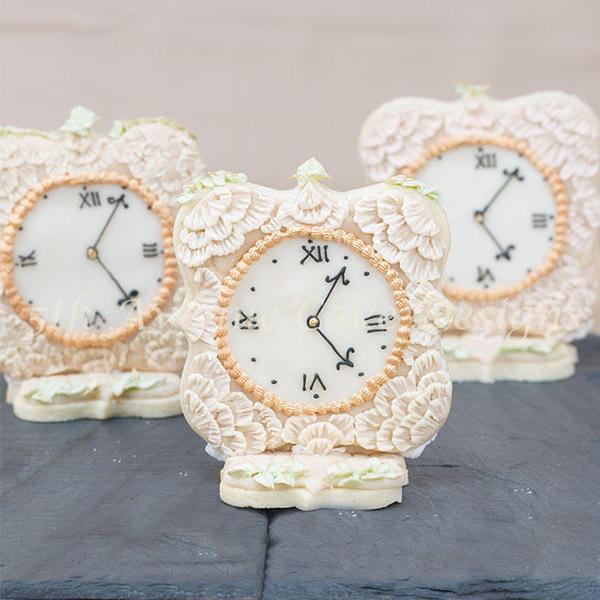 Antique Clock - Bobbiebakes - 3-d