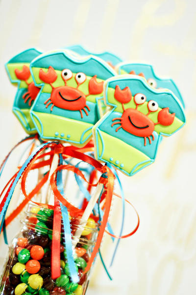 shannontidwell-crab onesies - cookies on sticks (1)