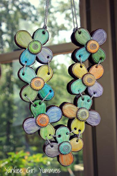 Yankee Girl Yummies' Flower Necklace