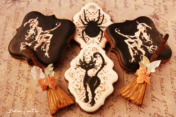 Elegant Halloween Cookies - Dolce Sentire - Rubber-Stamped