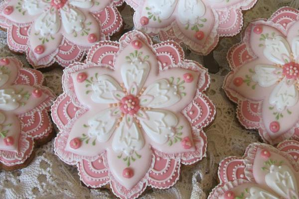 1 - Dimensional Flowers by Teri Pringle Wood