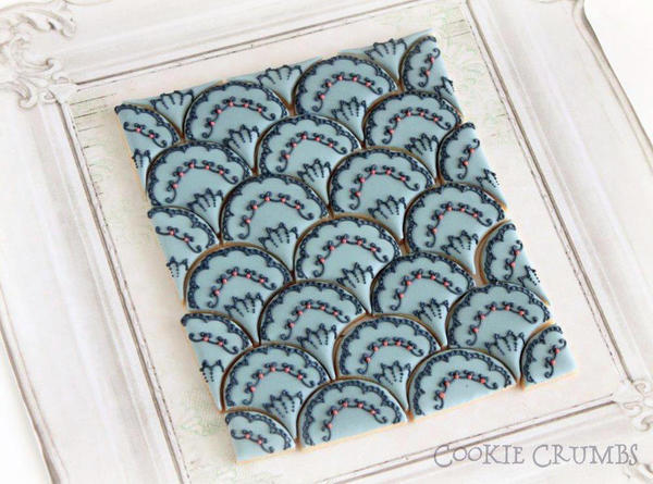 Scallop-Patterned Cookies