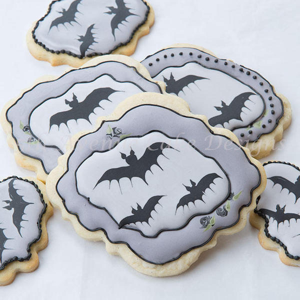 #3 - Wet-on-Wet Bat Cookies by bobbiebakes