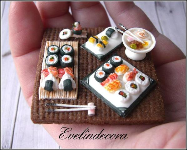 #1 - Royal Icing Sushi Miniatures on Cookie by Evelindecora