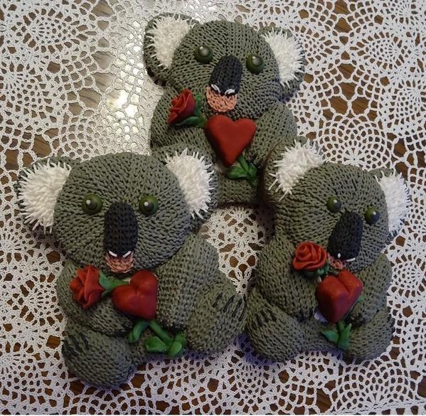 #3 - Knitted Valentine Koalas by swissophie