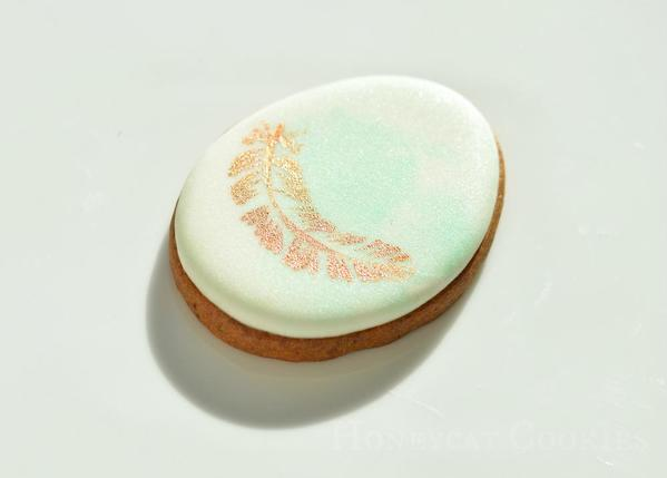 Egg and Feather Cookie