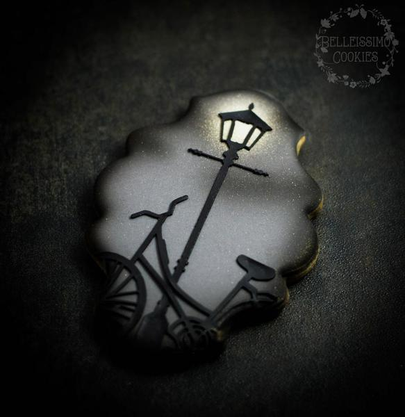 #7 - Street Light Cookie by Belleissimo Cookies