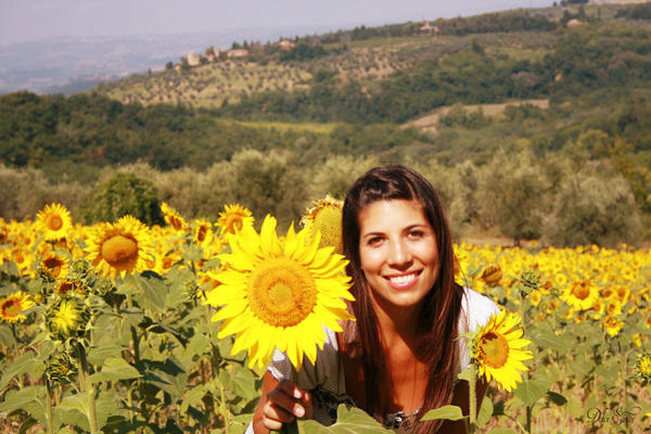 A younger Aixa under the Tuscan sun: