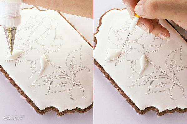 Piping Royal Icing Rose-Petals: