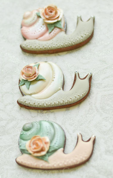 #3 - Shiny Snails by Lucy (Honeycat Cookies)