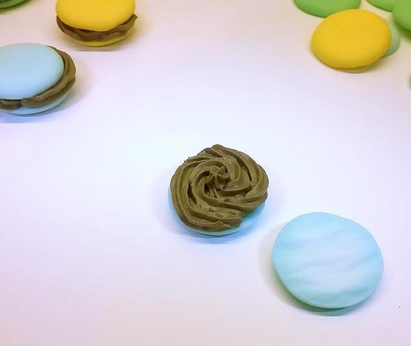 Macaron Step 2