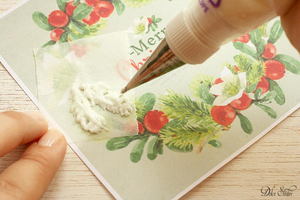 Piping the royal icing transfers: