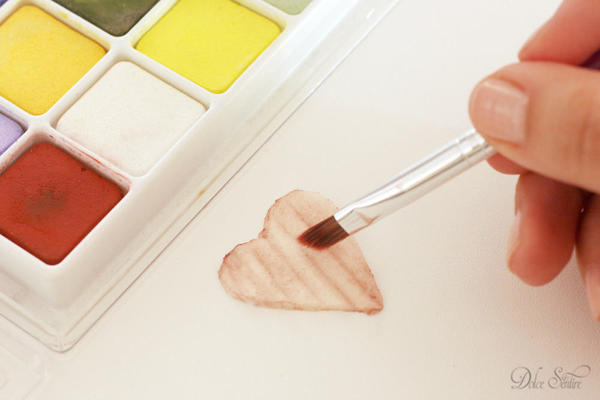 Aging royal icing heart: