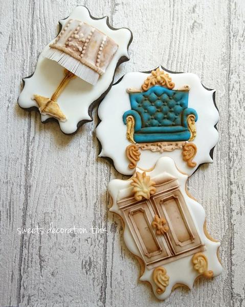 #9 - Antique Furniture by sweets decoration Tink