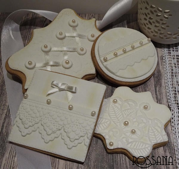 #2 - White Lace Vintage Cookies by Rosanna