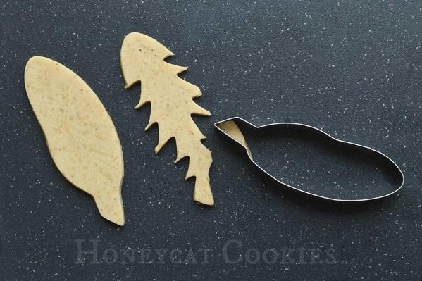 Cutting Dandelion Leaves