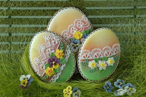 #5 - Easter Eggs by Koronkowe Pierniczki