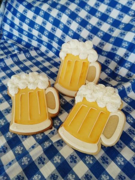 #7 - Beer Mugs by Teri Pringle Wood