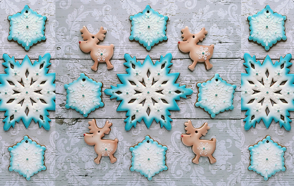 #5 - Snowflakes and Reindeer by Gingerland