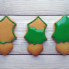 Step 5 - Outline and Flood Cookies in Stages: Cookies and Photo by Gingerland