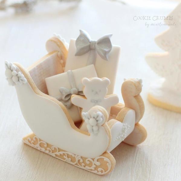 #2 - White Santa's Sleigh by mintlemonade (cookie crumbs)