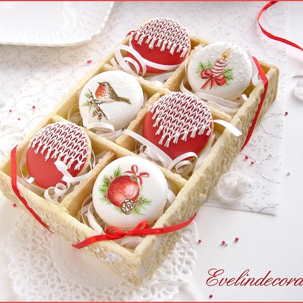 #4 - Christmas Cookie Box by Evelindecora