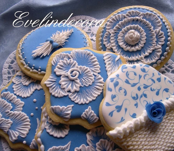 Royal blue cookies