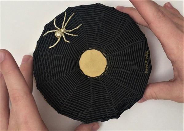 3 Spider WebSIDE