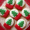 #6 - Snow Globe Cookies: By Gingerland