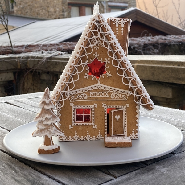 #10 - Small Gingerbread House by Annelise (Le bois meslé)