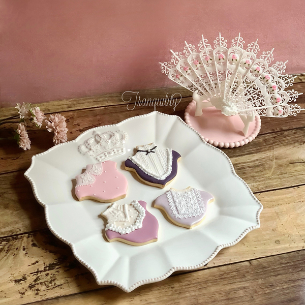 #1 - Victorian-Style Cookies by Reina Tranquility