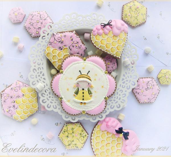 #1 - Bee Mine Cookies by Evelindecora