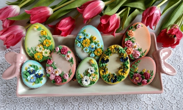 #6 - Floral Easter Eggs by Bożena Aleksandrow