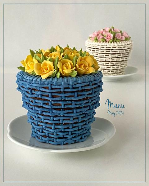 #5 - 3-D Blue Basket Cookie by Manu