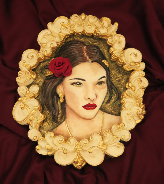 #2 - Handpainted Girl's Portrait with Overpiped Royal Icing Frame by Mariana Meirelles