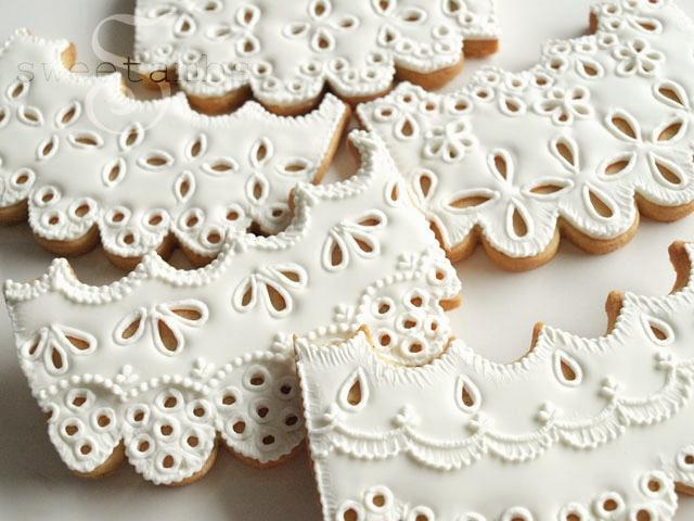 Eyelet Lace Cookies