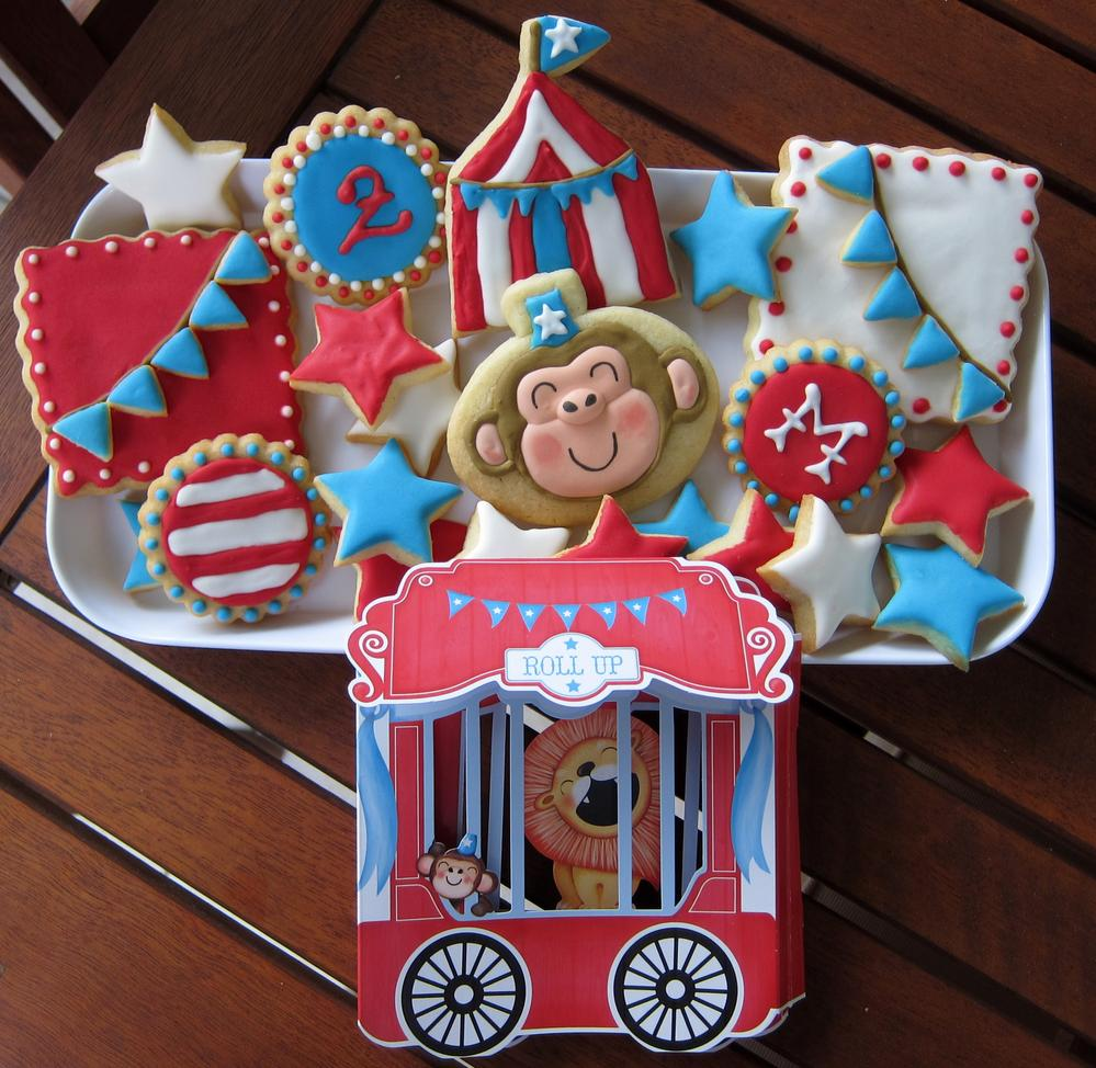 Circus cookies to match u0027Paper Eskimou0027su0027 invitation. & Circus cookies to match u0027Paper Eskimou0027su0027 invitation. | Cookie ...