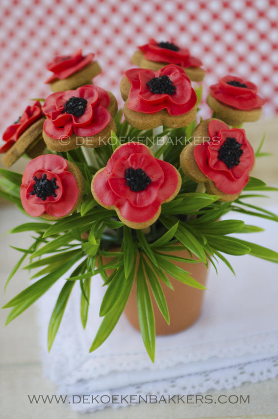 Poppy Cookie Bouquet | Cookie Connection