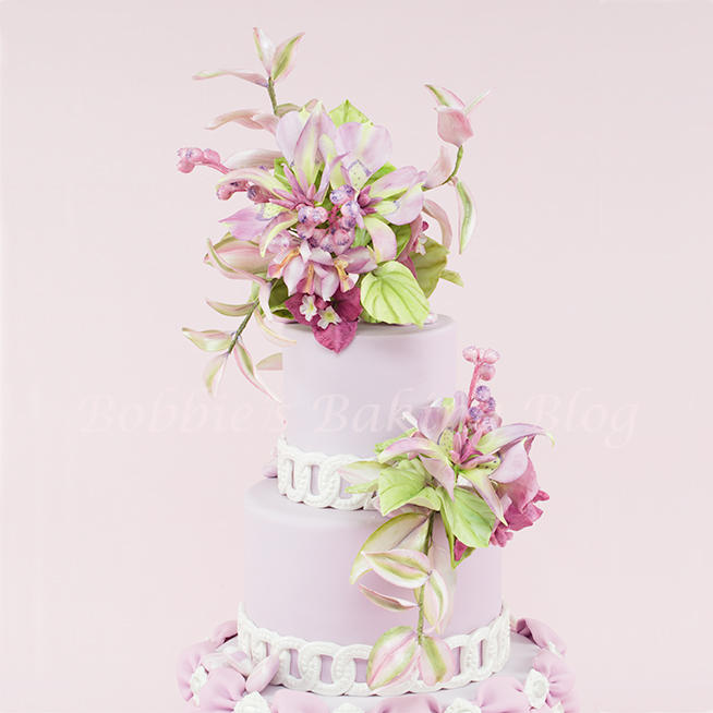 Sugar Paste Mariposa Lily Cake Spray Tutorial