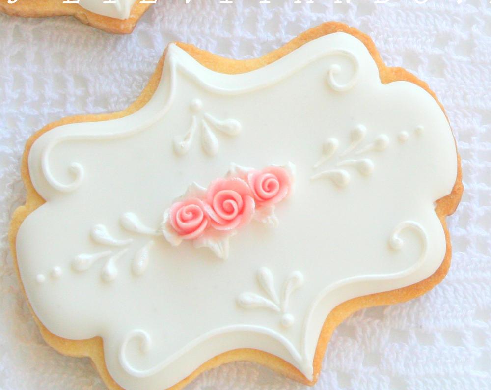 ricami bianchi,rose