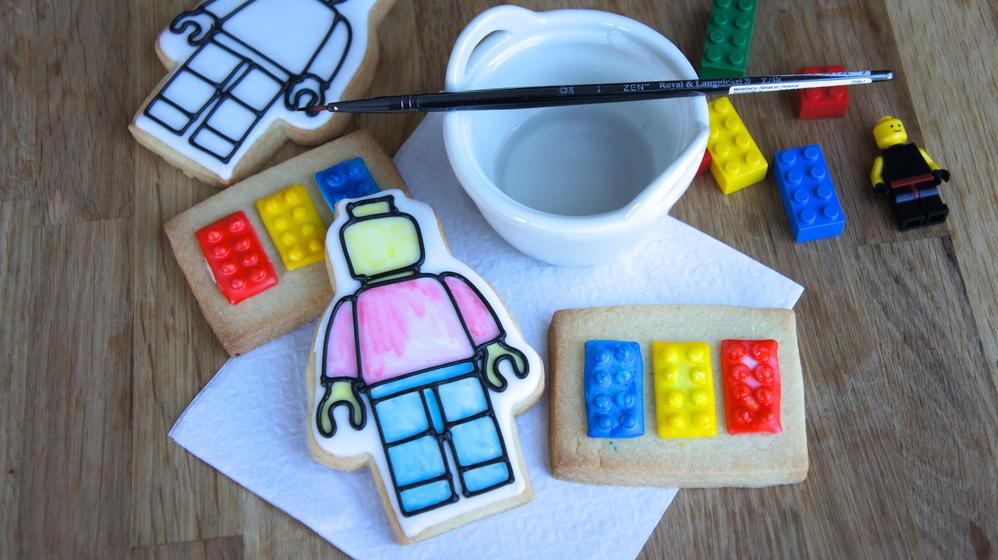 Lego Movie Cookies - Paint palette cookies