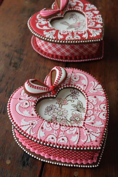 HeartBoxesBoundForBarcelona