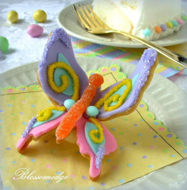 Arched butterfly cookie