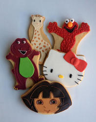 Casue_Character Cookies_Barney-Sofie the Giraffe-Elmo-Hello Kitty-Dora