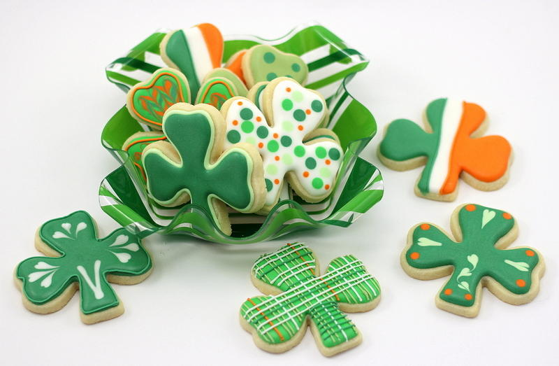 How To Decorate Lucky Shamrock Cookies For Saint Patrick's Day ...