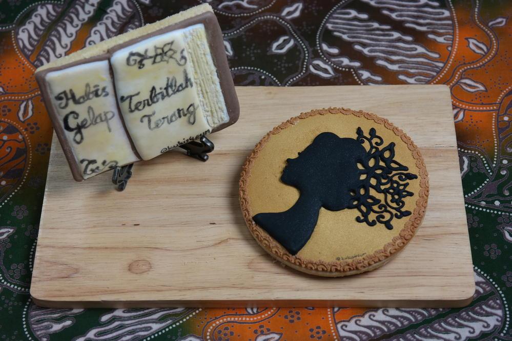 Silhouette Kartini cookies