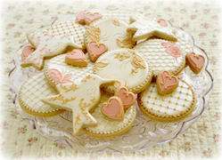 Dusky pink and champagne wedding cookies