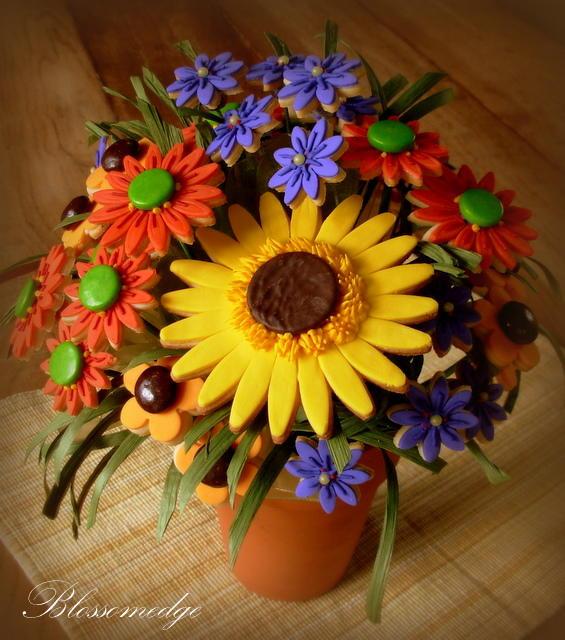 Autumn floral cookie bouquet
